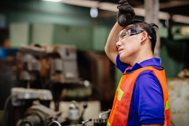 Nebulizadores industriales evaporativos para reducir el estrés térmico industrial
