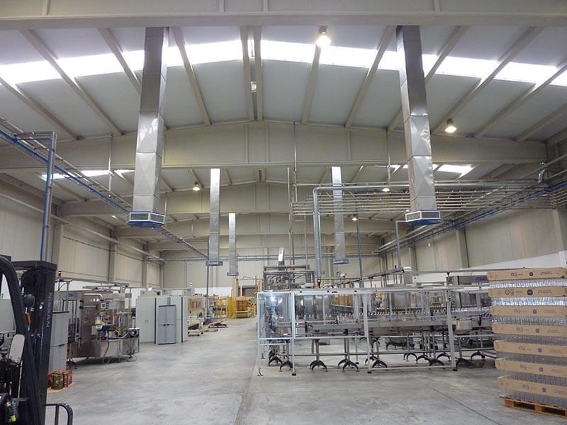 Temperatura ideal en una nave industrial para reducir estrés térmico con uso de humidificadores industriales y bioclimatización